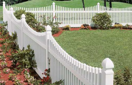 white vinyl backyard garden fence ideas